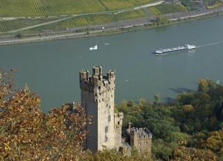 Rhein / Burg Sooneck