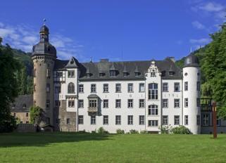 Rhein / Andernach-Namedy / Burg Namedy