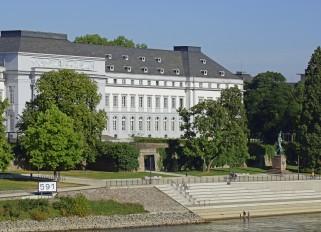 Rhein / Koblenz / Rheinufer / Schloss