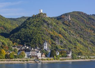 Rhein / Kamp-Bornhofen / Burg Sterrenberg (v) und Burg Liebenste