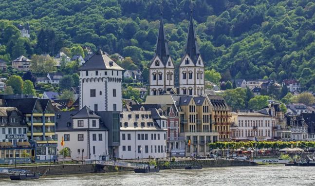 """Kurfürstliche Burg: Ausstellungseröffnung  MICHAEL APITZ  – """"Vom Rhein"""""""
