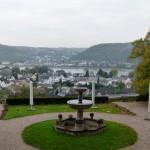 Prachtvoller Blick von der Schlossterrasse auf den Rhein