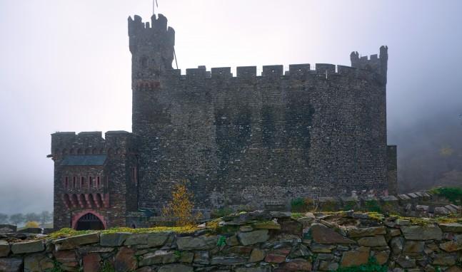 Burg Reichenstein: Frischer Wind hinter alten Mauern