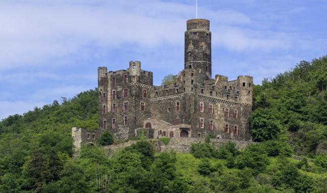 Burgbesichtigung, Mondscheinführung und Weinprobe auf Burg Maus