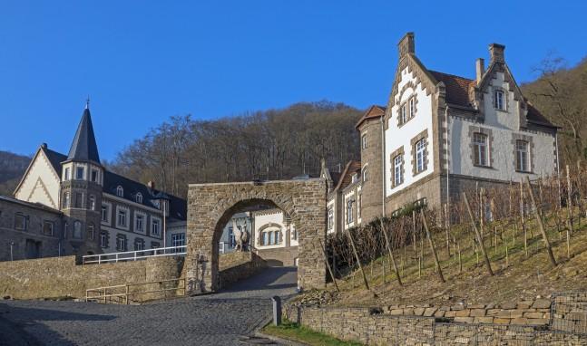 Weihnachtsmarkt auf Burg Brohleck