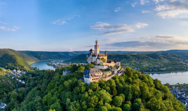 Videos zeigen Burgen aus Vogelperspektive
